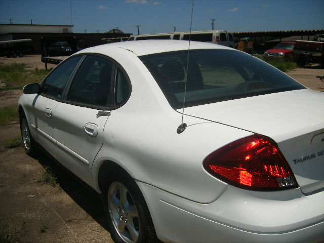 2006 Ford Taurus >> #1071- 2001 Ford Taurus (White)   Charlie Boiles Auto Sales